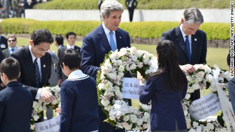 John Kerry refuses to apologize for Hiroshima